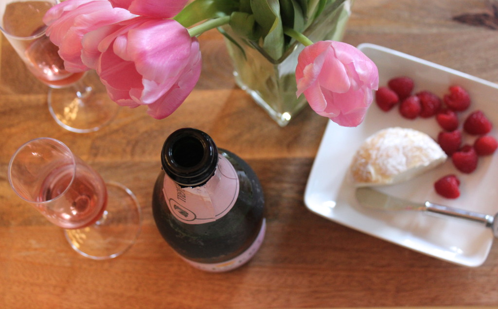 The perfect Valentine's Day food & wine pairing | Wander & Wine