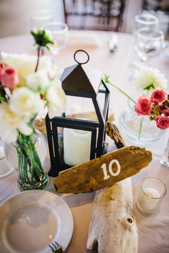 Wedding day details - photos by Lisa Mallory Photography | Wander & Wine #wedding #diy #lakeside