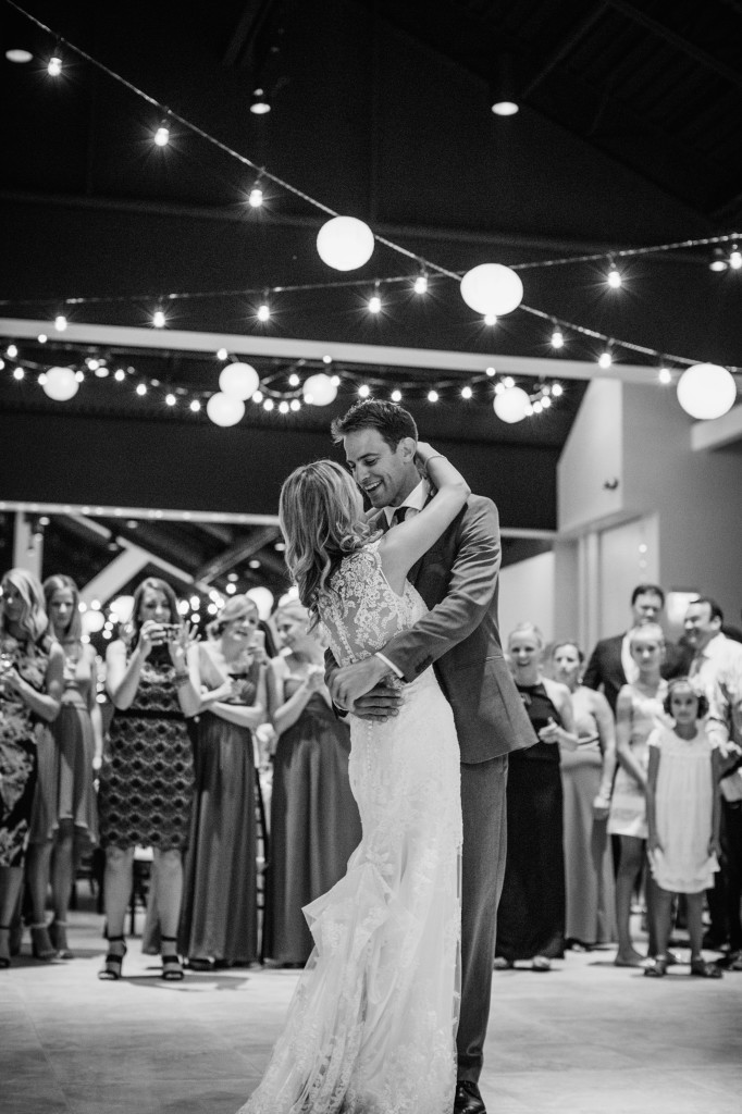 Wedding day - photos by Lisa Mallory Photography | Wander & Wine