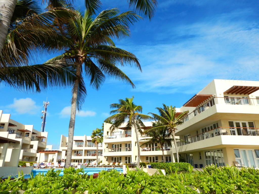 The Phoenix Resort Belize | Wander & Wine